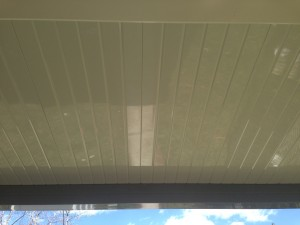 Light-colored ceiling makes the car port brighter.